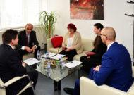 Osobné stretnutie generálnej tajomníčky SZKC aministra školstva, vedy, výskumu ašportu SR