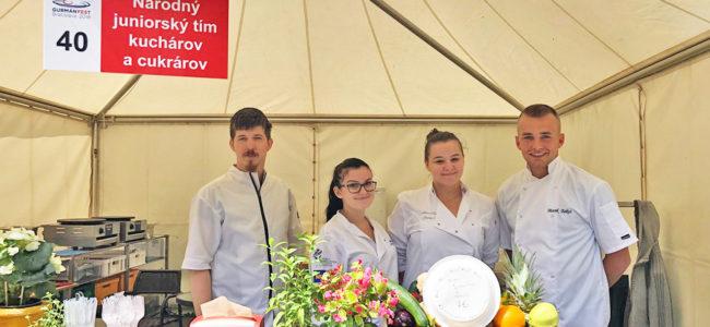 """Na """"GURMÁN FEST 2018 Bratislava"""" sa prezentoval aj Slovenský národný juniorský  tím kuchárov a cukrárov"""