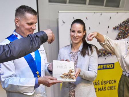 """METRO akuchári podpísali memorandum oneplytvaní potravinami """"Nie je nám jedno čo tu po nás zostane"""""""