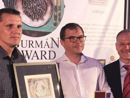 """Prestížne ocenenie """"GURMAN AWARD GRAND PRIX 2019 – cena za celoživotné dielo"""" bolo udelené šéfkuchárovi Jozefovi Hromjákovi"""