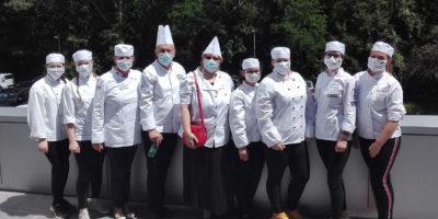 Kuchári na natáčaní televíznej relácie v RTVS